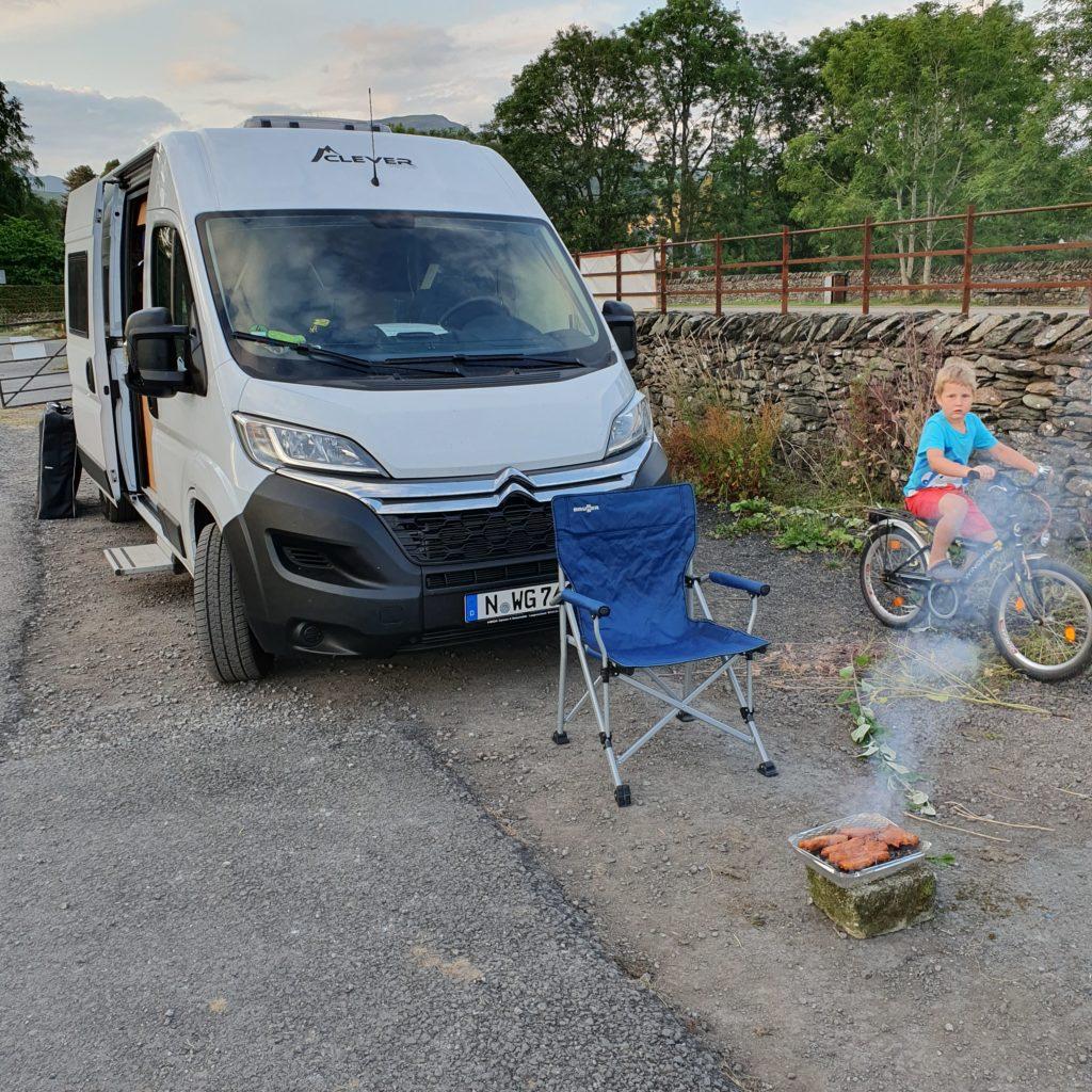 Camping am Parkplatz des Ambleside Rugby Clubs