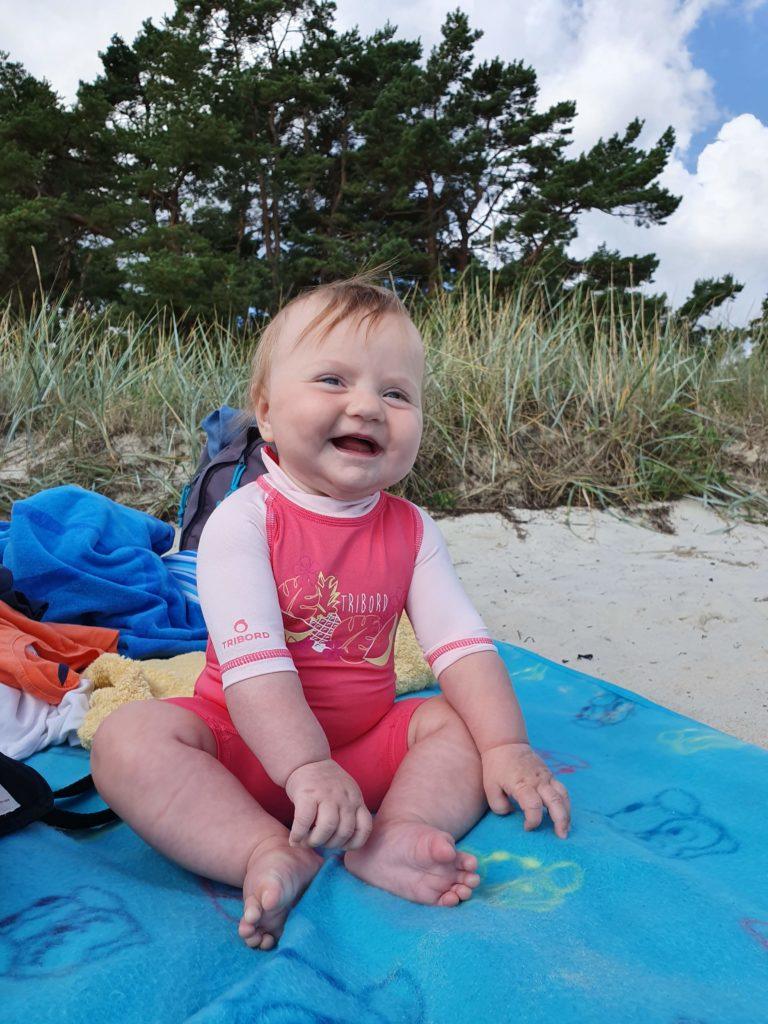 Schwiegermutter auf Weltreise in Schweden - Lotti am Strand von Ahus