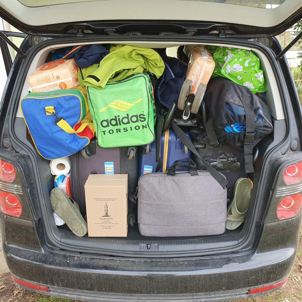 Balkan Roadtrip mit Baby - voller Kofferraum