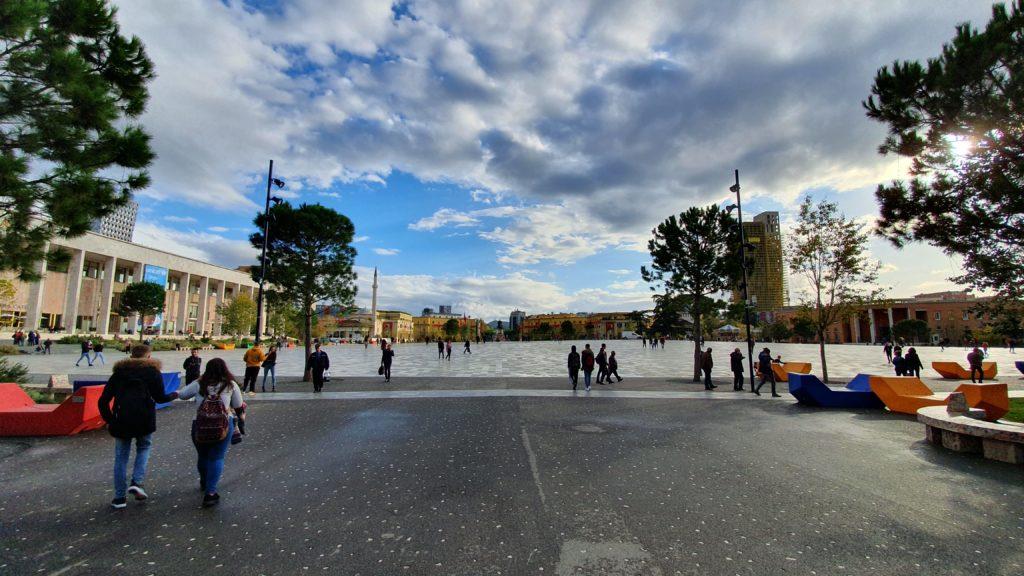 Balkan Roadtrip mit Baby - Skanderbeg-Platz